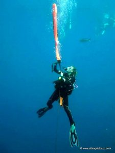 Boya deco para evitar accidentes de buceo.